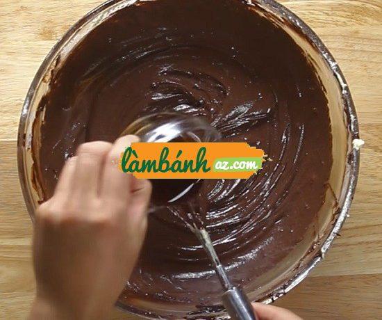 Làm kẹo chocolate