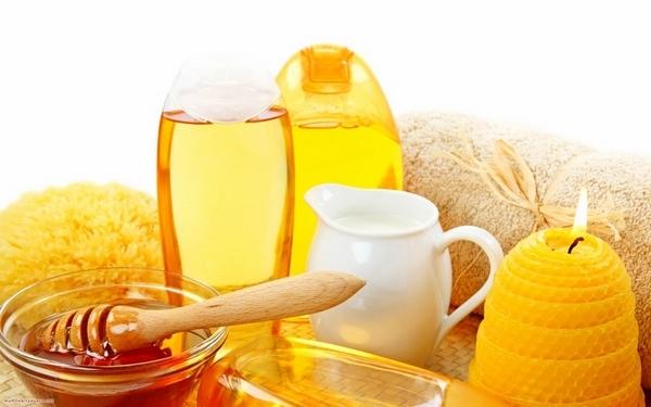 Mật ong có tác dụng tẩy da chết và trị mụn