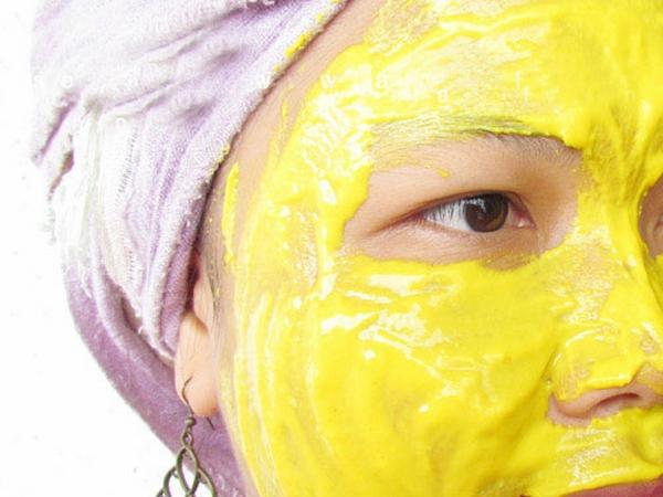 Cách đắp mặt nạ nghệ sữa chua mật ong