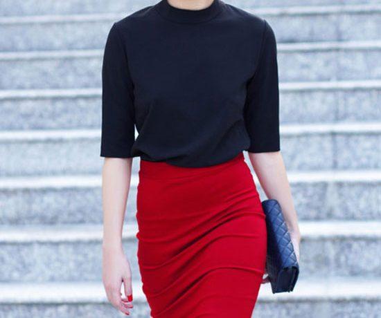 áo đen kết hợp với chân váy màu gì
