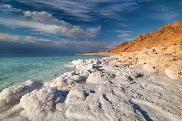 Biển chết có 12 loại khoáng chất quý hiếm trên trái đất