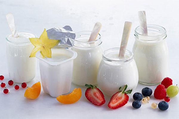 Buổi sáng ăn sữa chia để giảm cân