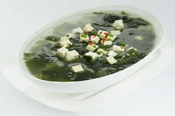 Học cách nấu canh rong biển Hàn Quốc theo kiểu truyền thống