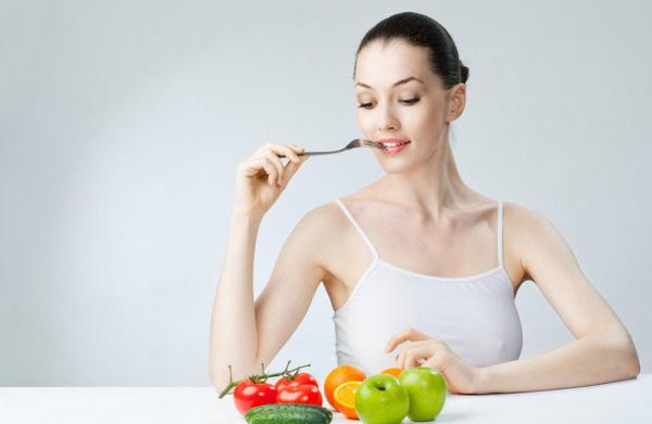 Bạn nên ăn nhiều hoa quả để làm đẹp và dưỡng ẩm cho da