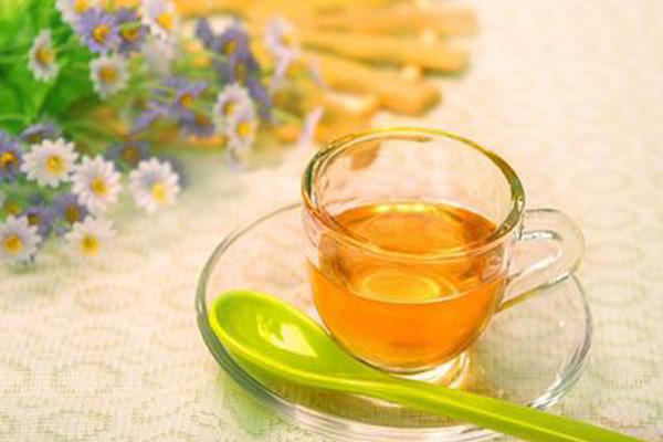 giảm cân bằng mật ong và nước ấm