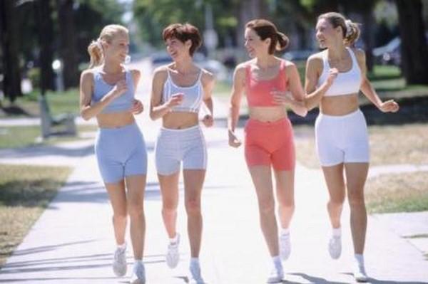 Tăng cường vận động là cách giảm cân cho học sinh nữ khoa học nhất
