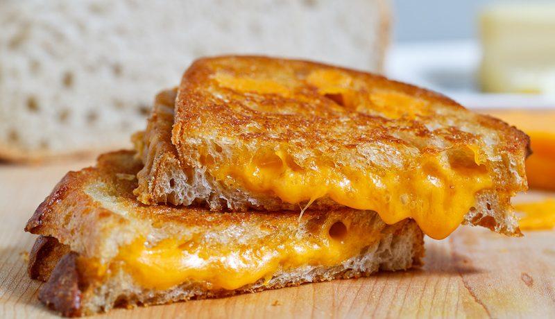 Cách làm bánh mì nướng phomai