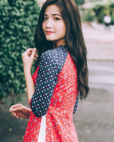 áo dài hoa nhí phối tay